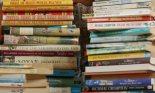 Piles-of-childrens-books--005